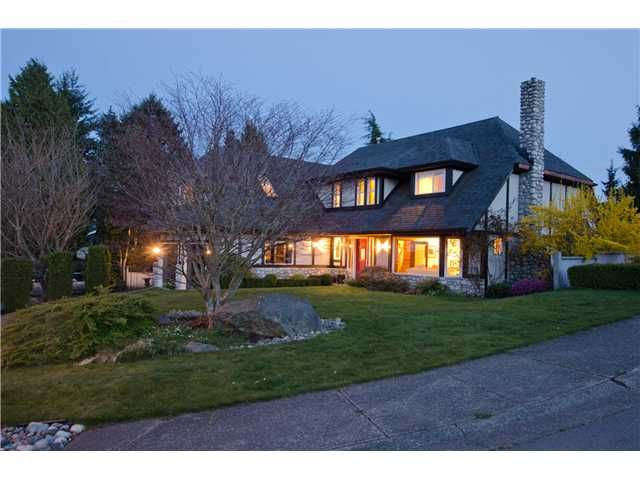 "Main Photo: 462 CONNAUGHT Drive in Tsawwassen: Pebble Hill House for sale in ""PEBBLE HILL"" : MLS®# V1055875"