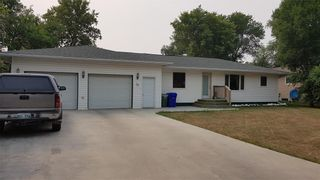Photo 1: 25 2nd Street NW in Altona: House for sale : MLS®# 202125084