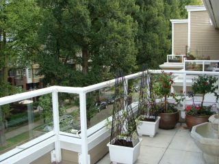 """Photo 15: 402 2628 YEW Street in Vancouver: Kitsilano Condo for sale in """"CONNAUGHT PLACE"""" (Vancouver West)  : MLS®# V784003"""