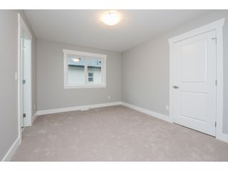 Photo 13: 27645 RAILCAR Crescent in Abbotsford: Aberdeen House for sale : MLS®# R2125726