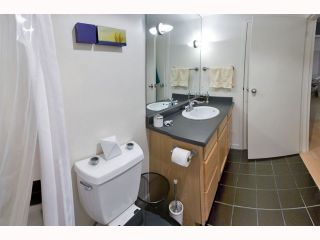 """Photo 6: 106 319 E 7TH Avenue in Vancouver: Mount Pleasant VE Condo for sale in """"SCOTIA PLACE"""" (Vancouver East)  : MLS®# V814641"""