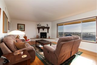 Photo 2: BAY PARK House for sale : 6 bedrooms : 2065 Galveston St in San Diego