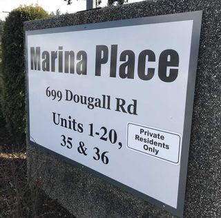 """Photo 18: 8 699 DOUGALL Road in Gibsons: Gibsons & Area Townhouse for sale in """"MARINA PLACE"""" (Sunshine Coast)  : MLS®# R2392536"""