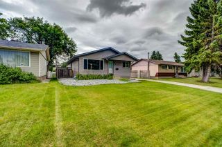 Photo 2: 8915 169 Street in Edmonton: Zone 22 House for sale : MLS®# E4209054