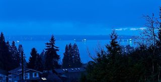 Photo 2: 2228 MATHERS Avenue in West Vancouver: Dundarave House for sale : MLS®# R2562824