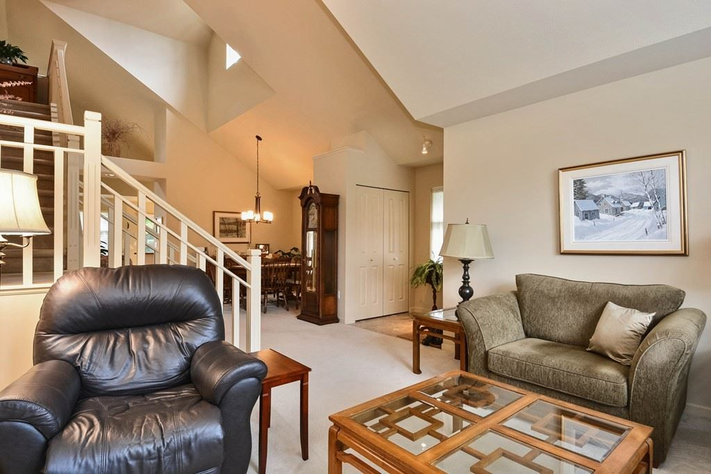 """Photo 3: Photos: 22 14877 33RD Avenue in Surrey: King George Corridor Townhouse for sale in """"Sandhurst"""" (South Surrey White Rock)  : MLS®# R2206509"""