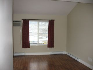 Photo 9: 404 - 256 HASTINGS AVENUE in PENTICTON: Residential Attached for sale : MLS®# 140039