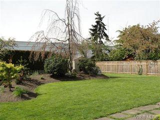 Photo 2: 542 Joffre St in VICTORIA: Es Saxe Point House for sale (Esquimalt)  : MLS®# 669680