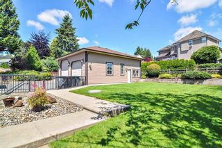 Photo 29: 19075 60B Avenue in Surrey: Cloverdale BC House for sale (Cloverdale)  : MLS®# R2475038