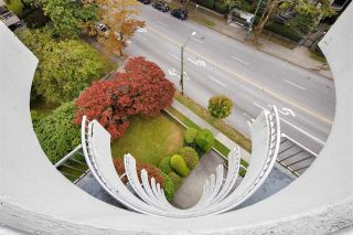 "Photo 15: 802 4691 W 10TH Avenue in Vancouver: Point Grey Condo for sale in ""Westgate"" (Vancouver West)  : MLS®# R2502529"