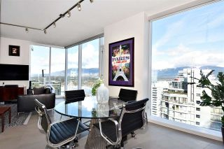 """Photo 10: 2804 1211 MELVILLE Street in Vancouver: Coal Harbour Condo for sale in """"The Ritz"""" (Vancouver West)  : MLS®# R2247457"""