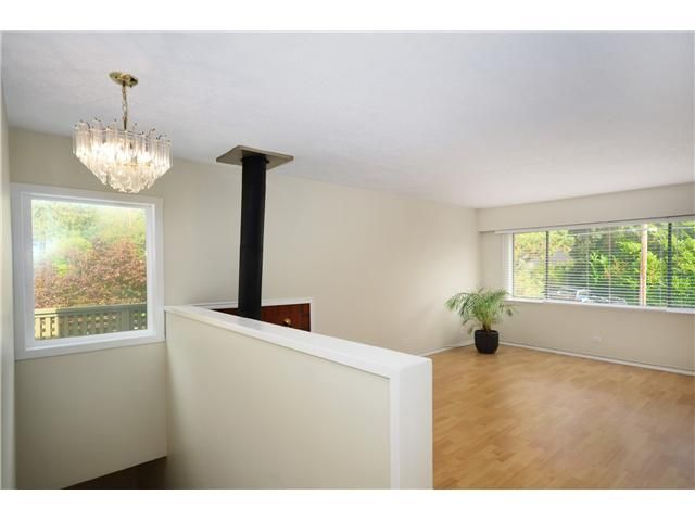 Photo 2: Photos: 1295 PLATEAU Drive in North Vancouver: Pemberton Heights Townhouse for sale : MLS®# V1031985