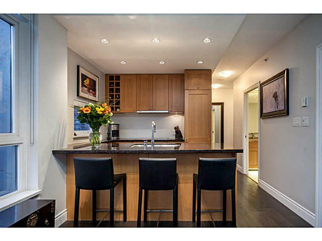 """Photo 5: Photos: 1808 821 CAMBIE Street in Vancouver: Downtown VW Condo for sale in """"RAFFLES ON ROBSON"""" (Vancouver West)  : MLS®# V1125986"""