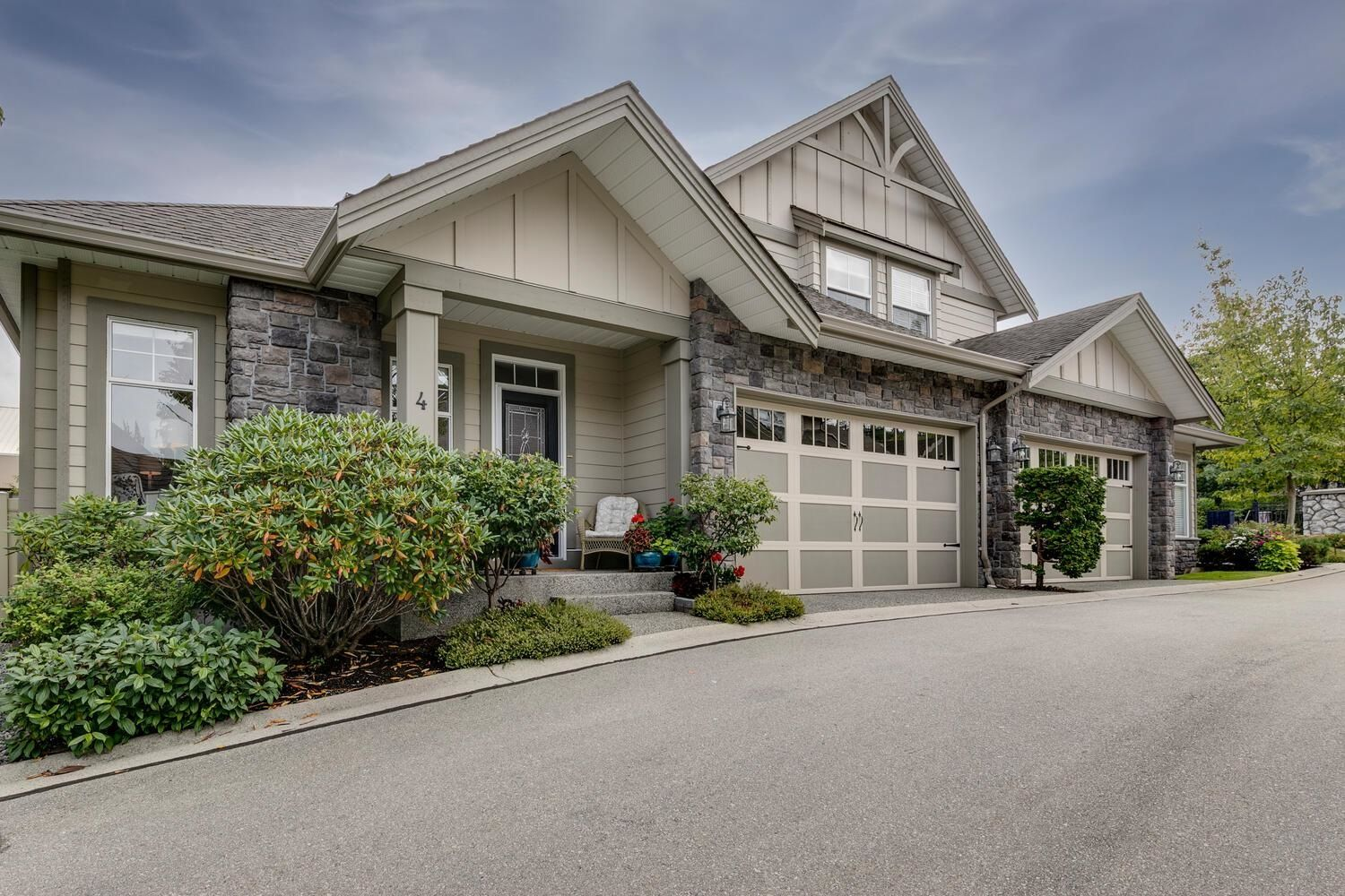 """Main Photo: 4 15075 27A Avenue in Surrey: Sunnyside Park Surrey Townhouse for sale in """"Birch Arbour"""" (South Surrey White Rock)  : MLS®# R2620419"""