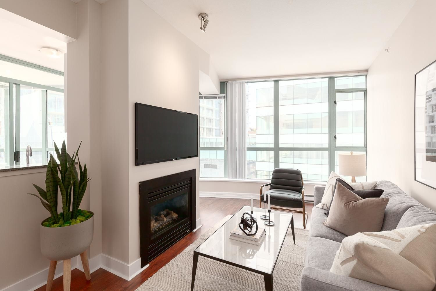 Main Photo: 602 1238 BURRARD STREET in Vancouver: Downtown VW Condo for sale (Vancouver West)  : MLS®# R2612508