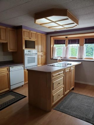 """Photo 4: D6 5931 COOK Court in Prince George: Birchwood Manufactured Home for sale in """"BIRCHWOOD"""" (PG City North (Zone 73))  : MLS®# R2586996"""