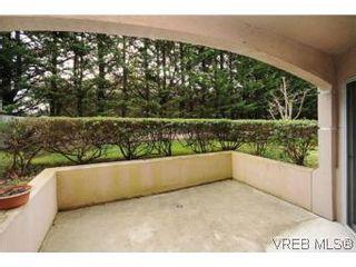 Photo 19: 111 1083 Tillicum Rd in VICTORIA: Es Kinsmen Park Condo for sale (Esquimalt)  : MLS®# 530725