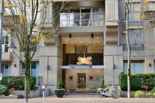 """Photo 11: 407 969 RICHARDS Street in Vancouver: Downtown VW Condo for sale in """"MONDRIAN II"""" (Vancouver West)  : MLS®# R2419984"""