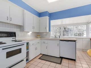 """Photo 9: 4433 W 16TH Avenue in Vancouver: Point Grey House for sale in """"West Point Grey"""" (Vancouver West)  : MLS®# R2137139"""