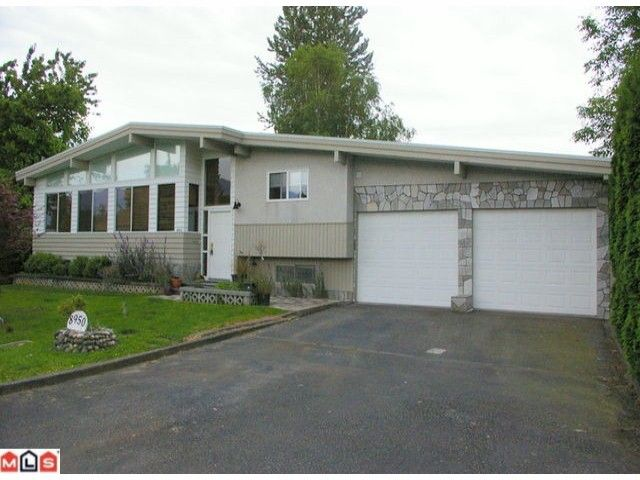 Main Photo: 8950 VINES Street in Chilliwack: Chilliwack W Young-Well House for sale : MLS®# H1103060
