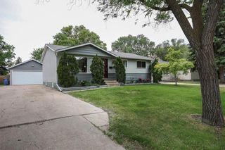 Photo 4: 19 Leisure Bay in Winnipeg: Crestview Residential for sale (5H)  : MLS®# 202115689