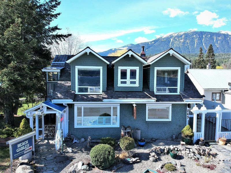 FEATURED LISTING: 243 FRONT STREET Kaslo