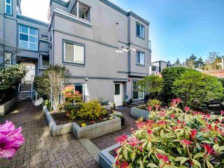 "Photo 2: 3 877 W 7TH Avenue in Vancouver: Fairview VW Townhouse for sale in ""Emerald Estates"" (Vancouver West)  : MLS®# R2565907"