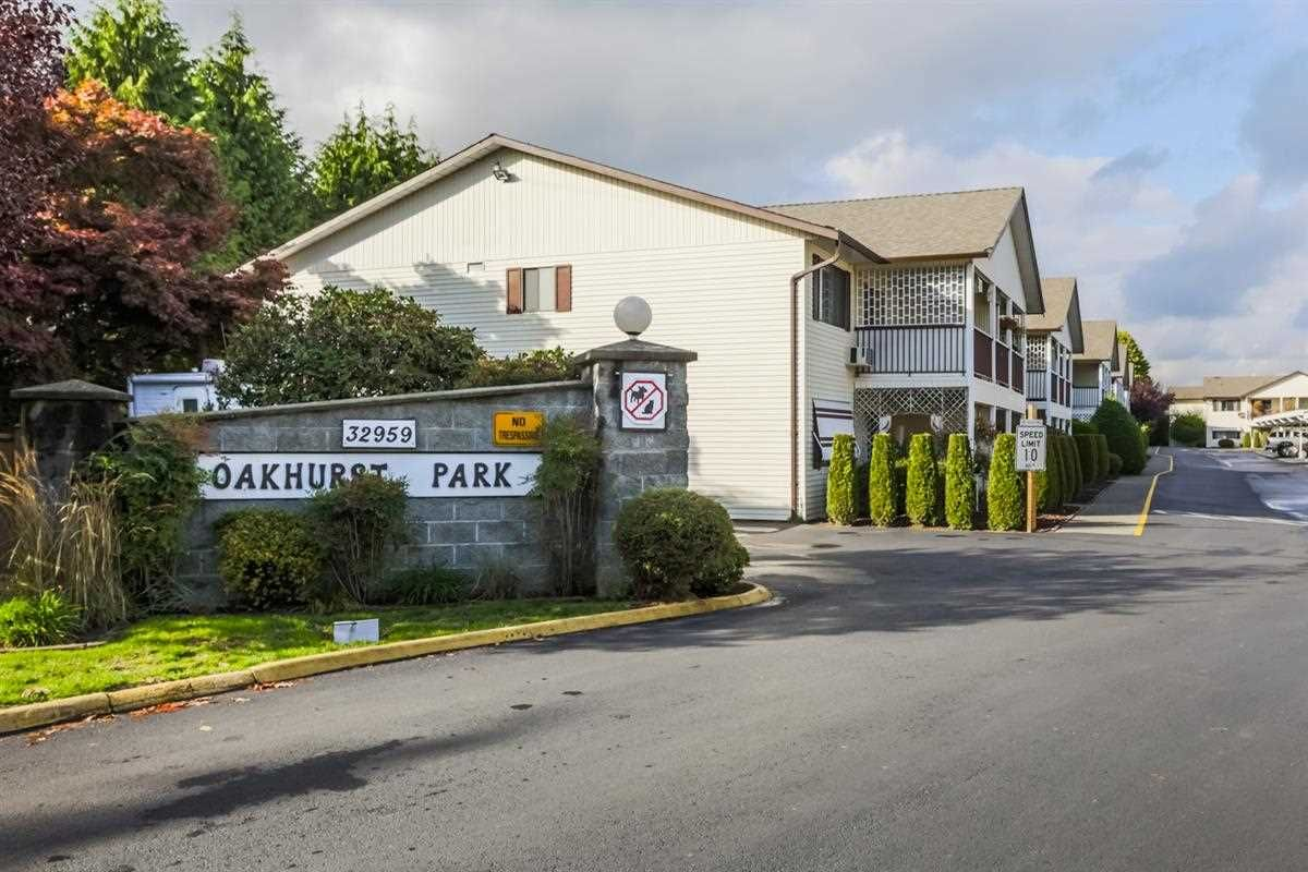 "Main Photo: 62 32959 GEORGE FERGUSON Way in Abbotsford: Central Abbotsford Condo for sale in ""Oakhurst Park"" : MLS®# R2213566"