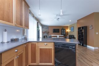 "Photo 9: 32716 HOOD Avenue in Mission: Mission BC House for sale in ""Cedar Creek"" : MLS®# R2214428"