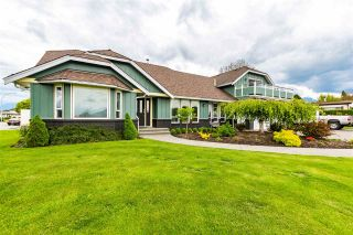 Photo 3: 7570 QUEEN Street in Chilliwack: Sardis East Vedder Rd House for sale (Sardis)  : MLS®# R2572918