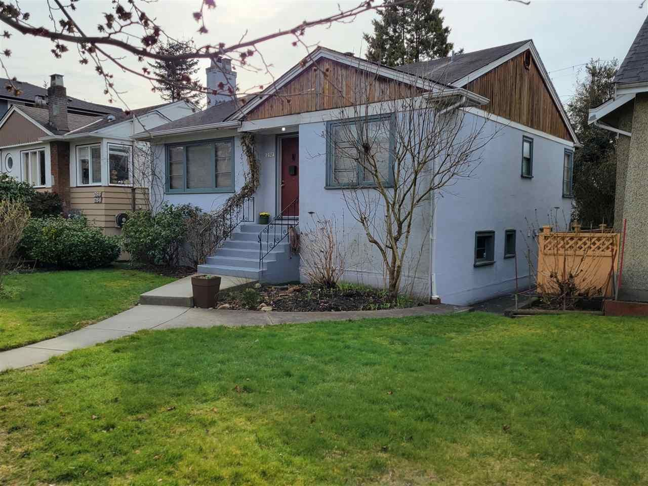 """Main Photo: 258 E 37 Avenue in Vancouver: Main House for sale in """"Riley park"""" (Vancouver East)  : MLS®# R2546212"""