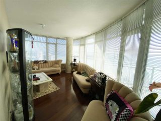 """Photo 5: 2702 892 CARNARVON Street in New Westminster: Downtown NW Condo for sale in """"Azure II Downtown NW"""" : MLS®# R2508059"""