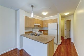 "Photo 4: 313 3278 HEATHER Street in Vancouver: Cambie Condo for sale in ""THE HEATHERSTONE"" (Vancouver West)  : MLS®# R2561814"