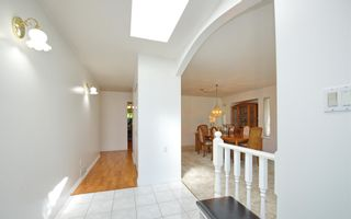 Photo 5: 9136 160A Street in Surrey: Fleetwood Tynehead House for sale : MLS®# R2595266