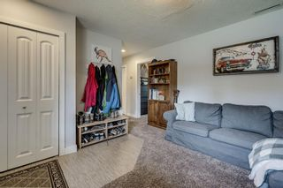 Photo 5: 2421 36 Street SE in Calgary: Southview Detached for sale : MLS®# A1072884
