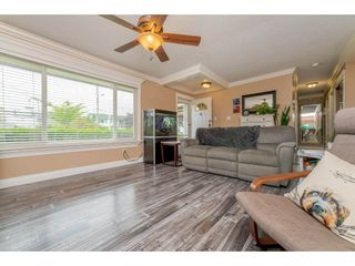 Photo 4: 17924 SHANNON Place in Surrey: Cloverdale BC House for sale (Cloverdale)  : MLS®# R2176477