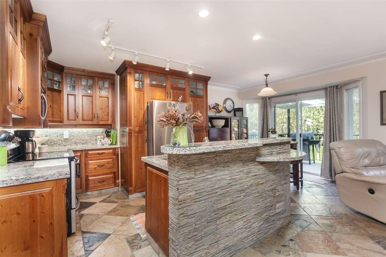 Photo 2: Photos: 24072 109 Avenue in Maple Ridge: Cottonwood MR House for sale : MLS®# R2218573