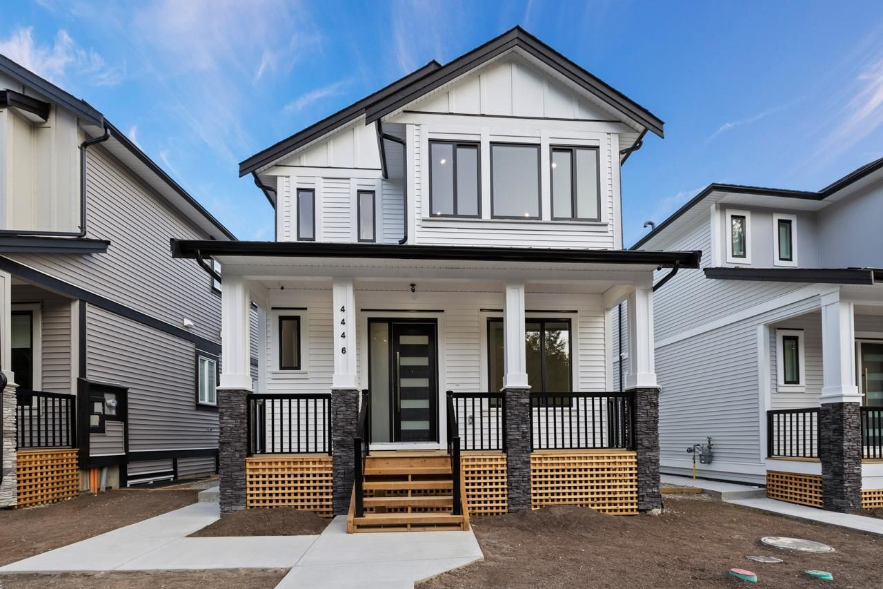 """Main Photo: 4446 STEPHEN LEACOCK Drive in Abbotsford: Abbotsford East House for sale in """"Auguston"""" : MLS®# R2613375"""
