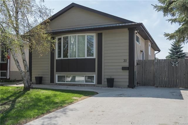 Main Photo: 30 Brookshire Street in Winnipeg: Lakeside Meadows Residential for sale (3K)  : MLS®# 1813738