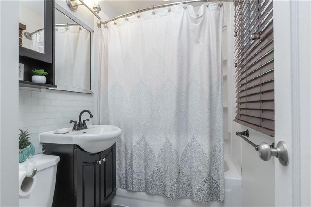 Photo 15: Photos: 665 Government Avenue in Winnipeg: Residential for sale (3B)  : MLS®# 202016023