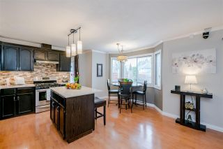 Photo 14: 10519 WOODGLEN Place in Surrey: Fraser Heights House for sale (North Surrey)  : MLS®# R2586813