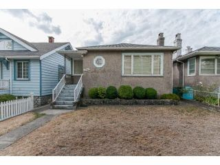 Photo 1: 2765 NANAIMO STREET in Vancouver East: Home for sale : MLS®# V1141570