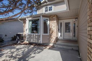 Photo 3: 112 Sun Canyon Link SE in Calgary: Sundance Detached for sale : MLS®# A1083295