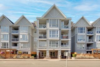 """Photo 2: 311 3142 ST JOHNS Street in Port Moody: Port Moody Centre Condo for sale in """"SONRISA"""" : MLS®# R2604670"""