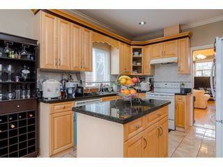 Photo 8: 380 STRATFORD Avenue in Burnaby: Capitol Hill BN 1/2 Duplex for sale (Burnaby North)  : MLS®# R2411548