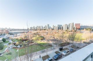 """Photo 6: 506 181 W 1ST Avenue in Vancouver: False Creek Condo for sale in """"Brook - The Village on False Creek"""" (Vancouver West)  : MLS®# R2528507"""