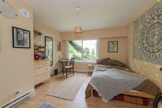Photo 5: 429 E PENDER Street in Vancouver: Strathcona House for sale (Vancouver East)  : MLS®# R2526801