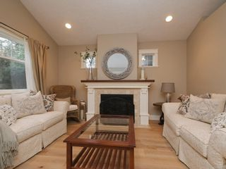 Photo 3: 1985 W Burnside Rd in : VR Prior Lake House for sale (View Royal)  : MLS®# 860770