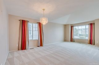"Photo 4: 67 6885 184 Street in Surrey: Cloverdale BC Townhouse for sale in ""CREEKSIDE"" (Cloverdale)  : MLS®# R2539320"