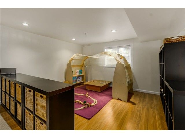 """Photo 16: Photos: 1361 E 15TH Street in North Vancouver: Westlynn House for sale in """"WESTLYNN"""" : MLS®# V1129244"""